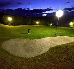 Dîner et golf nocturne au Camp des Loges